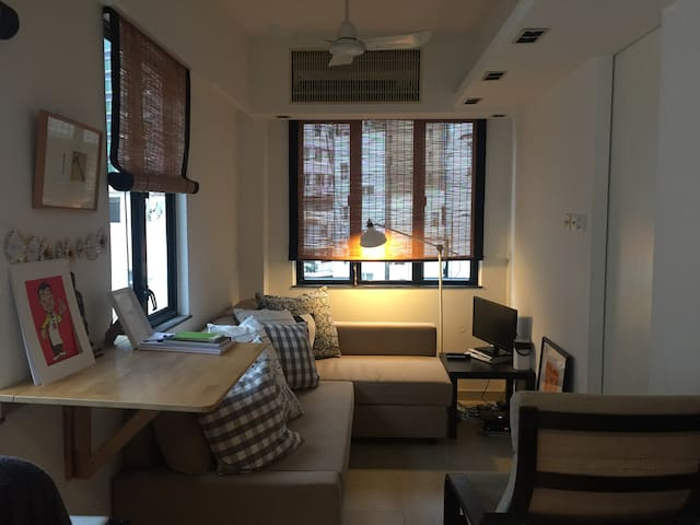 One bedroom apartment in Central - Hong Kong - Apartment