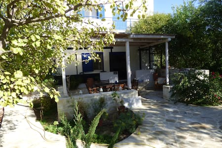 Villa Eleonas in hidden Crete - Sivas - วิลล่า