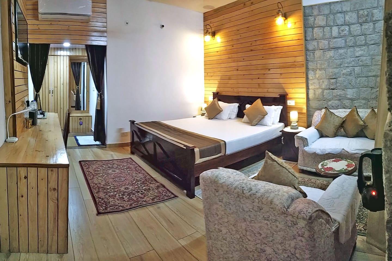 Bed room 1 with en-suite washroom
