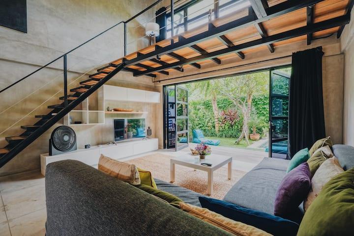 BERAWA LOFT Canggu modern loft villa