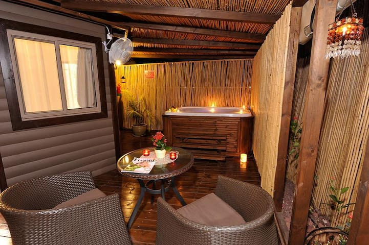 Talia Cabin Geust& Spa-Deluxe Suite With Spa Bath