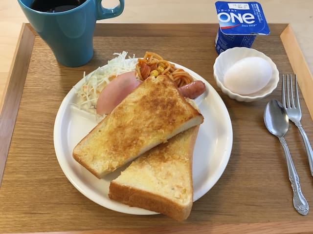 breakfast(optional) 朝食