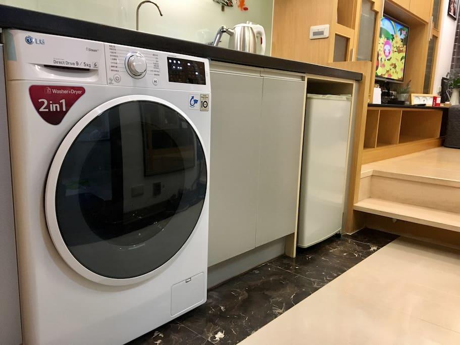 2018年3/15才換新的滾筒式洗衣烘乾機。