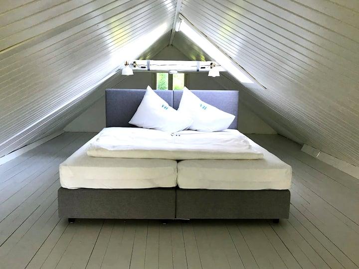 Sommerwohnung mit Schlafkoje & privatem Seezugang