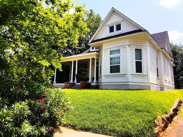 Enjoy 20% Off promo rate - Historic Eglin House