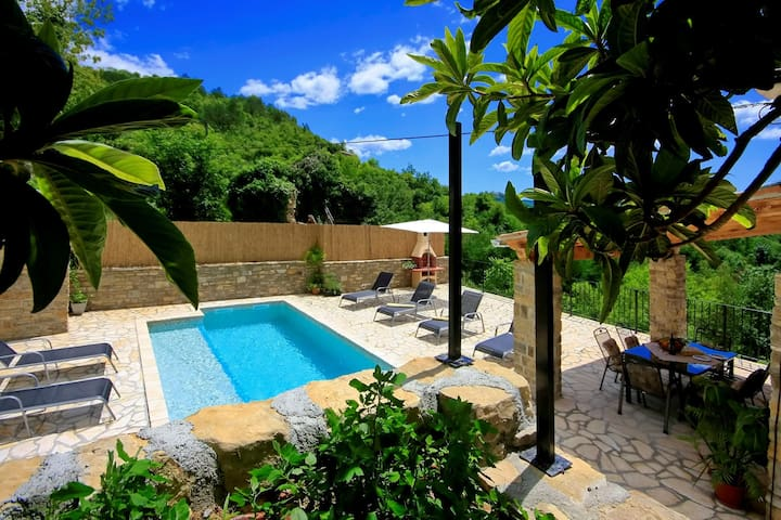 Villa Alba-LAST MINUTE September