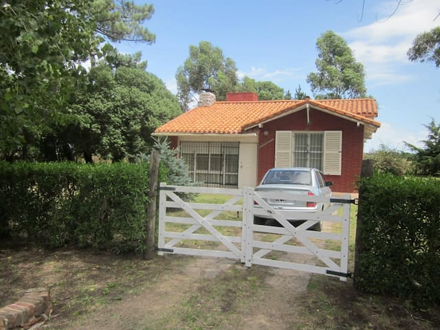 Casa en Miramar. Precio en $ (ver calendario)