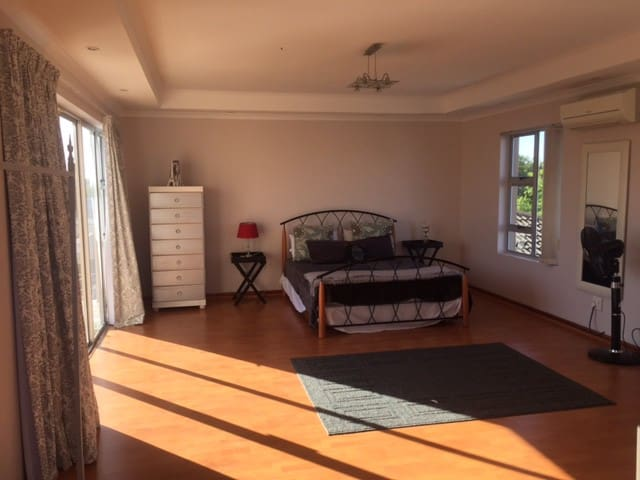 Spacious place to stay in Cape Town