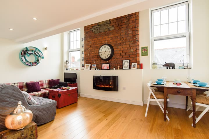 Unique  Loft Nr City Centre   With Gated Parking