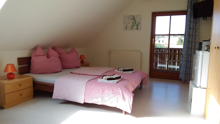 "Double room ""Sylva"" at cottage ""Altjessen 57"" - Pirna - Hostel"