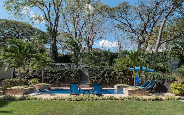 Villa Las Palmeras, Estancia de Santo Domingo