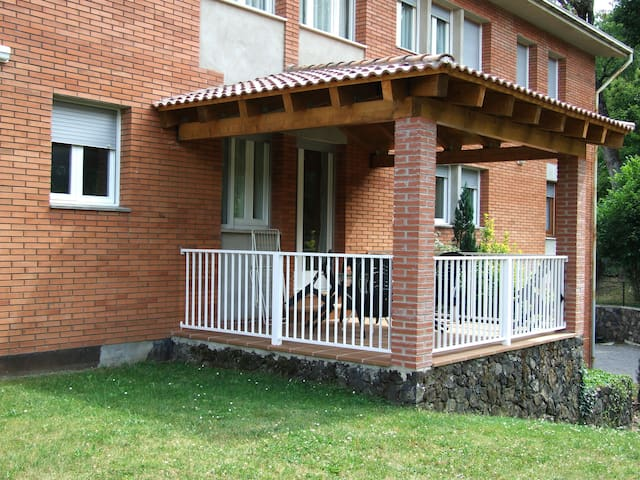 Ideal para familias en La Garrotxa - Santa Pau - Daire