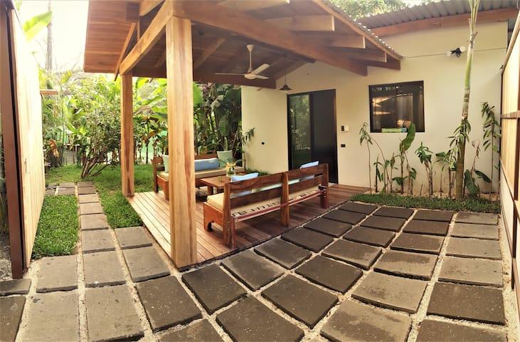 Casa Banano in Santa Teresa! 2 BR House +Wifi  +AC - Puntarenas Province - House