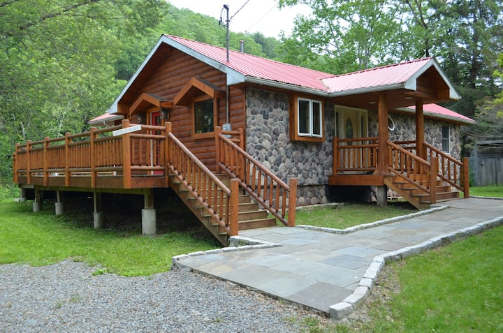 Newly Renovated Delaware River Custom Log Home