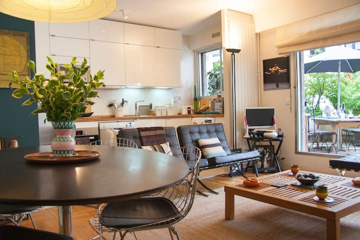 Design and cosy flat with large terrace