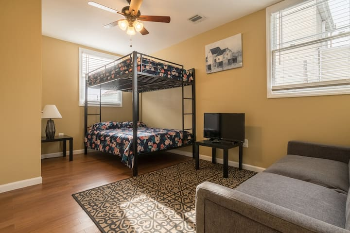 Large Room with Double Queen Beds, Summer #2-3