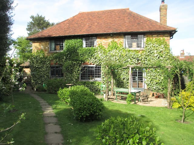 Bramley House B&B - Room 2 (sep. private bathroom) - Kilndown - Bed & Breakfast