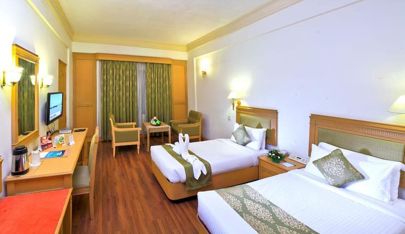 Suite Room with Bed and Breakfast at Kochi
