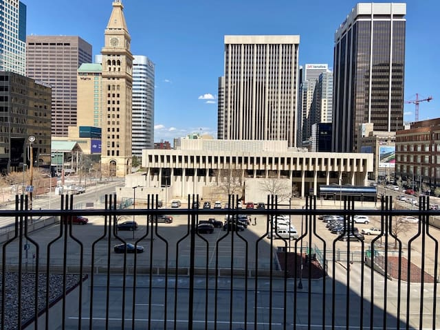 Furnished Downtown Denver One-Bed! Brooks Tower 5H