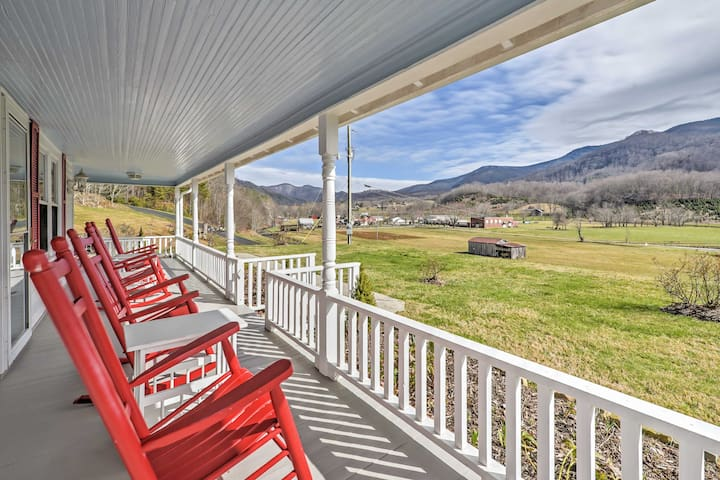 NEW! 3BR Bakersville Area 'Red Roof Farmhouse'! - Bakersville - House