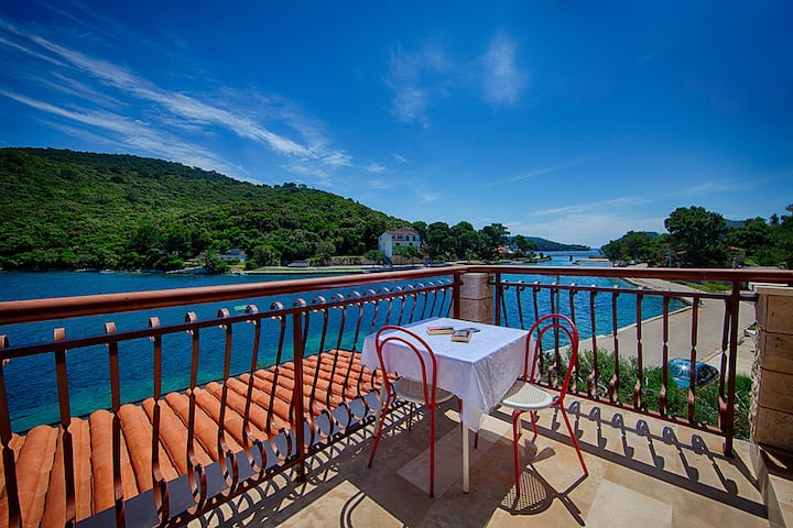 Apartments Malo Lago - One-Bedroom Apartment with Balcony and Sea View - 2nd floor