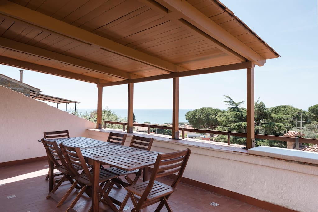House With Terrace With Sea View Apartments For Rent In
