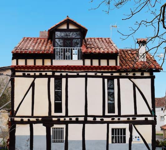 La Casa de la Serenidad, Burgos - Villanasur-Río de Oca - Huis
