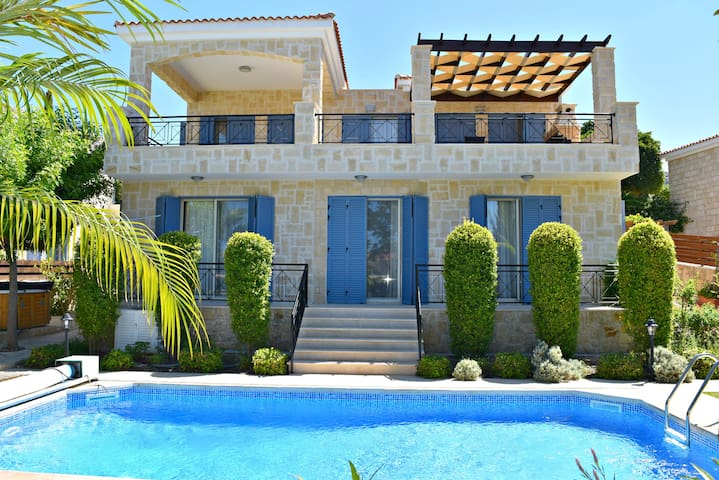 Latchi Beach 4 Bed Luxury Villa -Amazing Sea Views