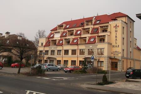 Márton Apartman - Keszthely - Flat