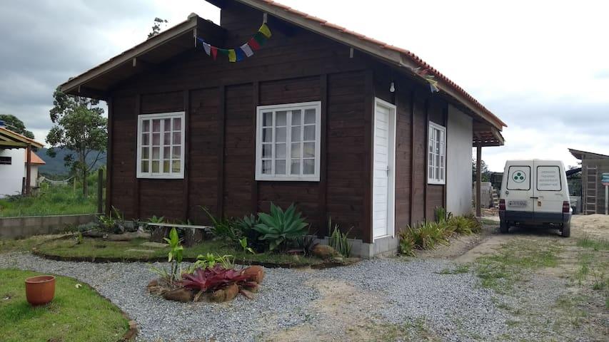 Casa dois quartos perto da Praia do Rosa