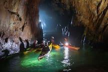 Lloguer de caiac a la platja Tamariu ( recorregut per diverses coves: cova de'n Gispert i cales de l'Empordanet)
