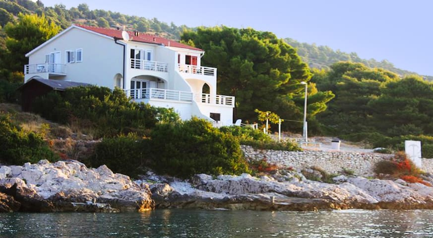 Villa Avalon (please msg me for special offers)