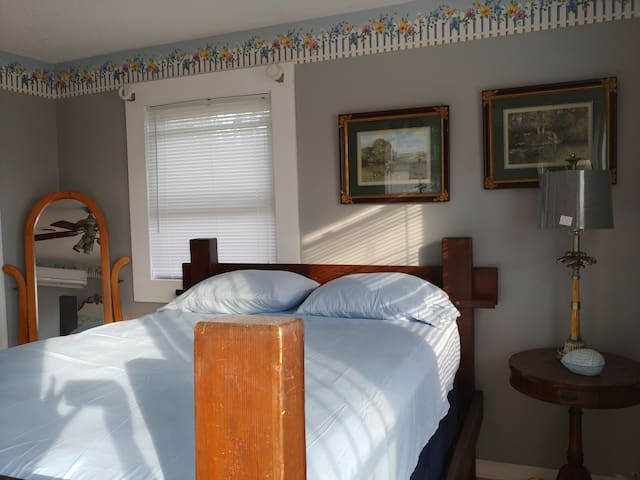 Energizing Plantation (Queen Bed)