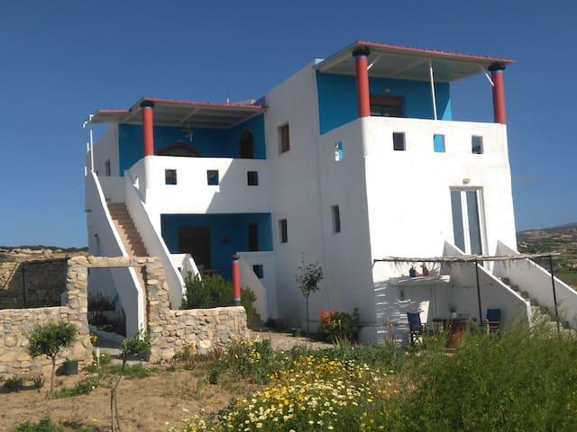 ΑΡΧΟΝΤΙΚΟ ΕΛΛΑΣ (Villa Hellas)