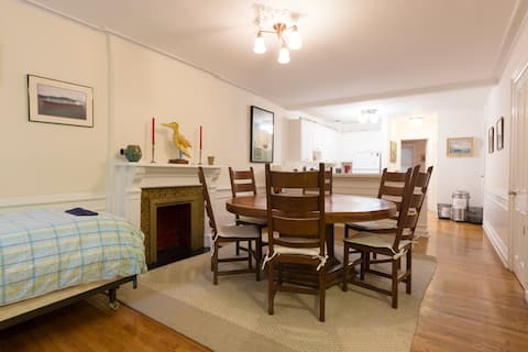 Full 1 Bedroom Apartment in heart of UWS