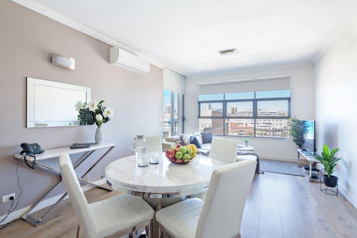 LUX One Bedroom Apartment - In Sydney CBD