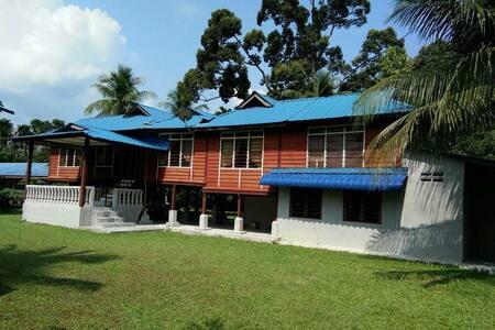 Village House near Taiping - Batu Kurau - 独立屋
