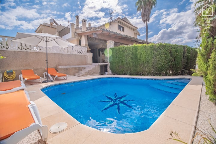 GAVIOTAS House for 7 with pool 300m from the beach