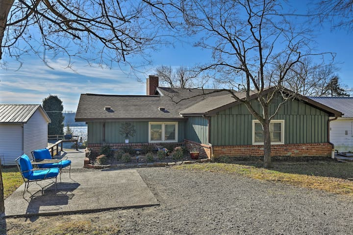Charming Ohio River Home with Water Views & Porch!
