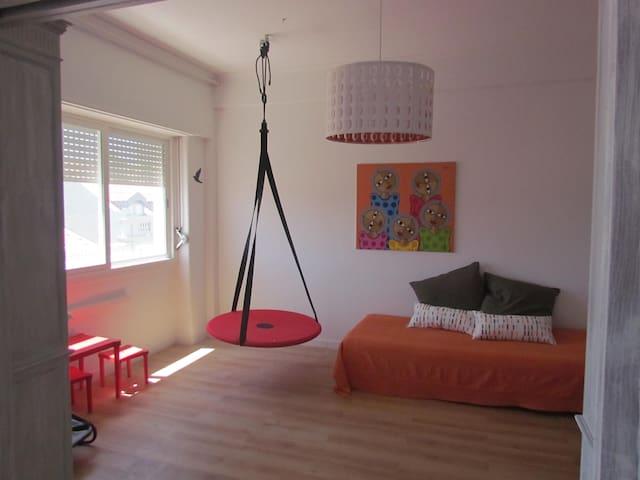Family Apartment with Kids Lounge near Estrela - Lisboa - Byt