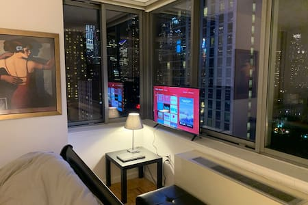 Times Square,1 min far from Ur Room, Amazing view
