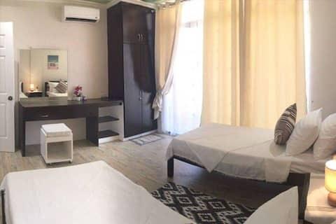 JOCANAI公寓配备家具双卧室,可入住4-8人