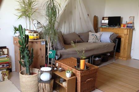 liebevolle Wohlfühl- Wohnung mitten in Barmbek - Гамбург