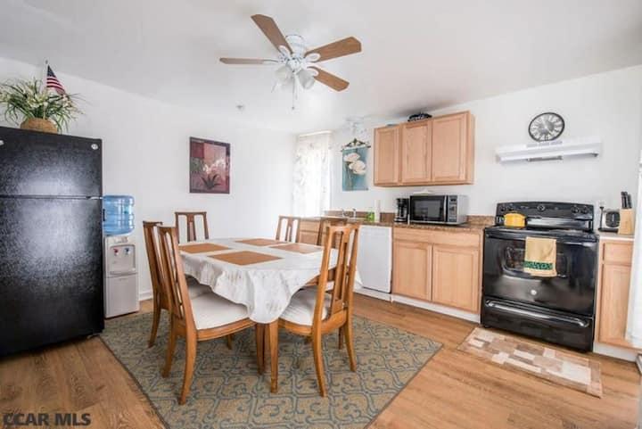 Spacious apartment 9.6 miles from campus.