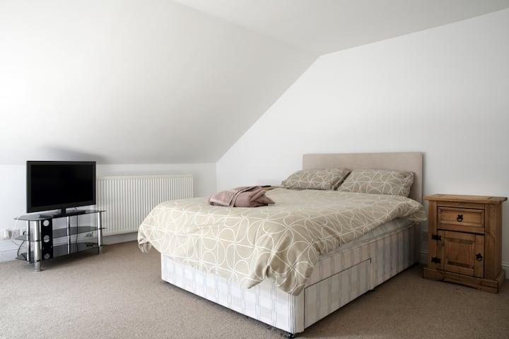 Room in Falkirk, Garden Street - A
