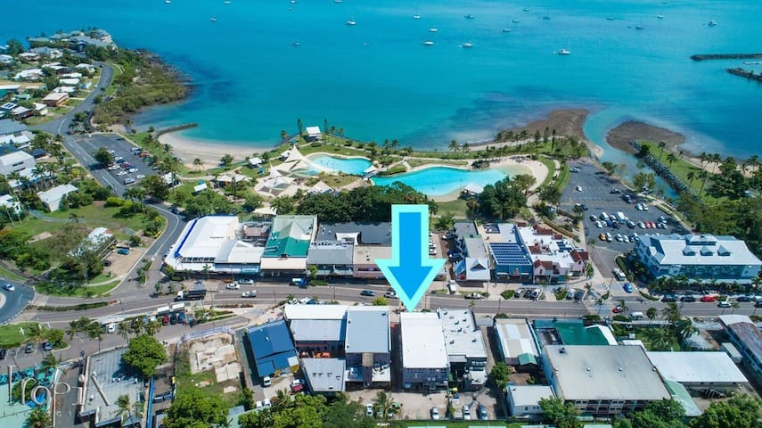 Airlie on Main Street - Central Airlie Beach