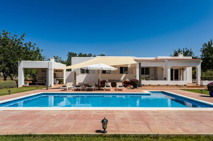 "Beautiful Villa ""Sa Vinyeta"" with Mountain View, Wi-Fi, Air Conditioning, Pool, Garden & Terrace; Parking Available"