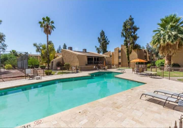 Scottsdale Oasis/Clean Condo 5 Min Old Town.