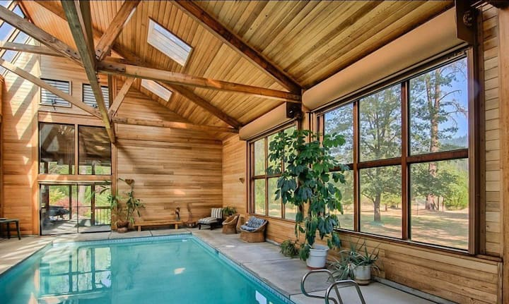 River Retreat+ Indoor Pool & Hot Tub on 3.5 Acres