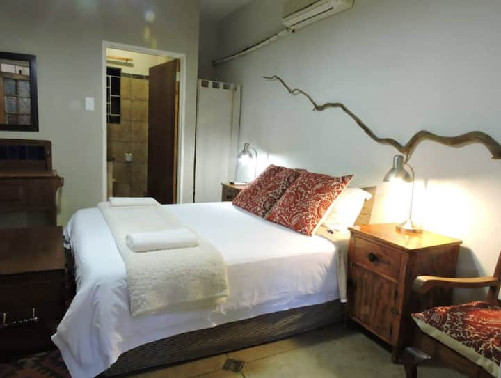 Double Room Domba Guest Lodge
